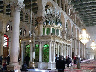 مقام حضرت یحیی در مسجد اموی دمشق.jpeg