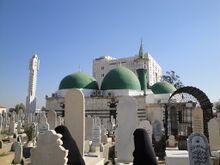 سوريه قبرستان باب الصغير-حرم ام كلثوم بنت علي ع و سكينه بنت حسين ع.jpg