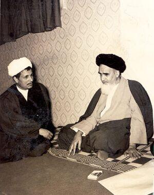 Emam Khomeini va Hashemi.jpg